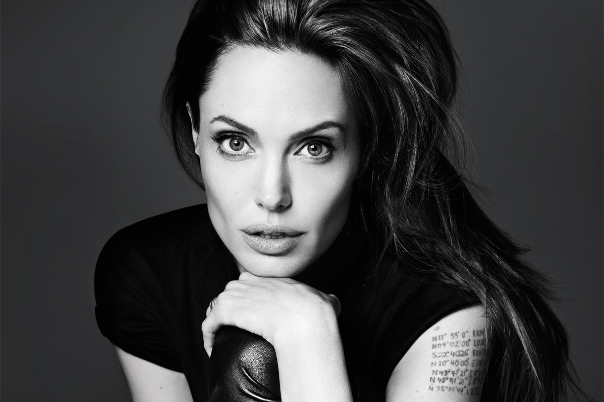 angelina-jolie-most beautiful lips